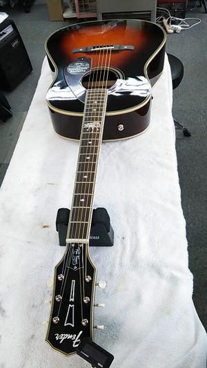 Fender_aco_4